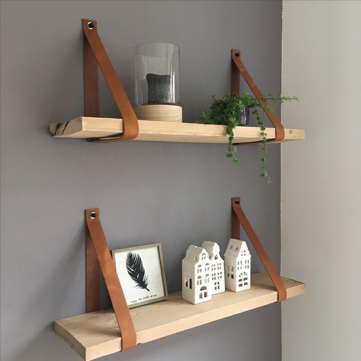 Nog steeds superblij met de mooie leren plankdragers van www.bijlien.nl.