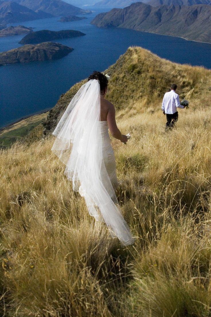 Emma-Marie & Mike - married at Lookout Lodge.  A Wanaka Wedding (www.awanakawedding.co.nz)