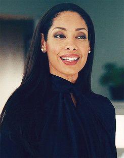 Ahora mismo, Torres juega el papel de Jessica Pearson, una gran abogada en el programa Suits.