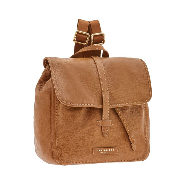 The 'Plume Soft' leather backpack from The Bridge features an elegant, practical design. Minimal and classy, it's the perfect accessory for a sporty outfit. Inner drawstring closure and outer flap with outer closure.   Size 30X32X14 cm. http://shop.thebridge.it/en-gb/catalog/detail/backpack/04149679?ic=HEatew