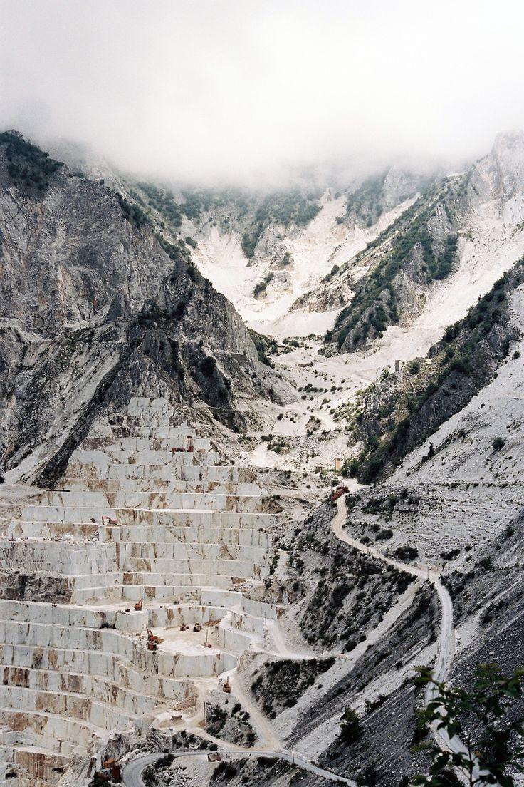 Deconstruction, Virginie Khateeb - carrara marble mountain in natural state