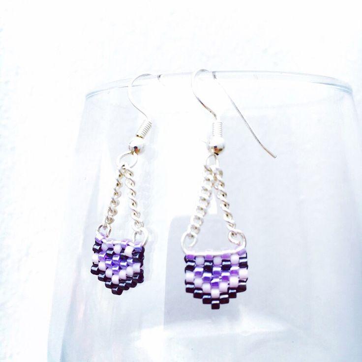 Boucles d'oreille Chevrons argentées Perles Miyuki violet, rose pâle et noir hématite : Boucles d'oreille par bijou-lie
