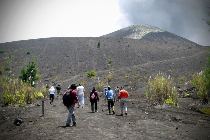 These fortunate trekkers are making their way to the remnants of one of the most powerfulvolcanoesof the earthatMount Karakatau.