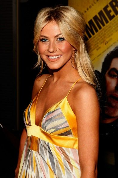 Julianne Hough Half up Hair
