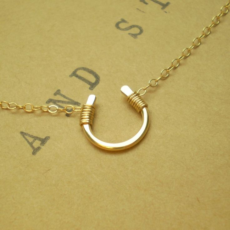 Tiny Luck Necklace: Tiny Luck, Horseshoe Necklaces, Hands Form, Jewelry Inspiration, Luck Charms, Form Horseshoe, White Gold, Tiny Hands, Luck Necklaces