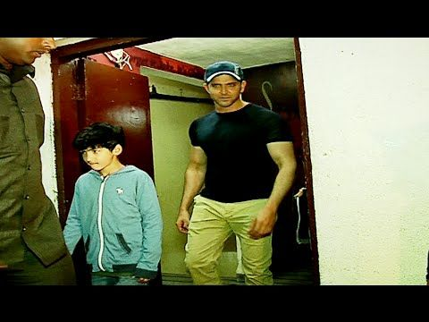 Hrithik Roshan with his Kids spotted at Juhu PVR Cinema. See the full video at : https://youtu.be/8f9vemSDAMQ #hrithikroshan