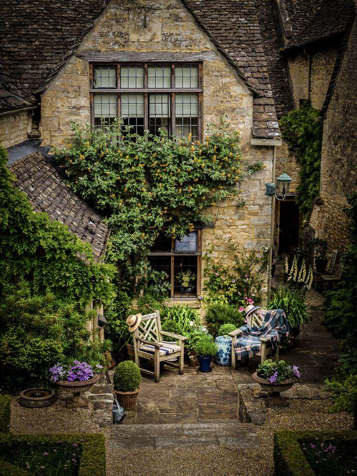Small Courtyard Garden Ideas Inspiration