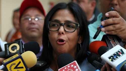 Perú llama a embajador en Venezuela tras insolencias contra Kuczynski