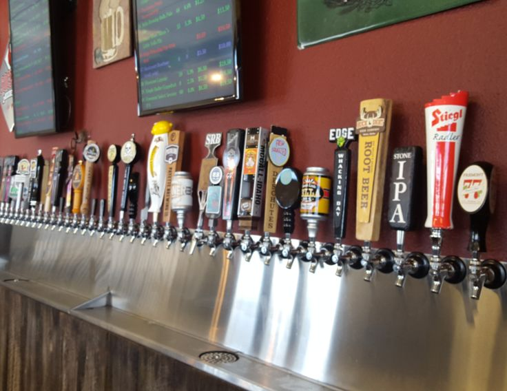 Neighborhood quick growler fill station, beer bar, tap house and local hang out for local craft beer and cider lovers in the Eagle area.  #GoOutLocal #OnlyInIdaho #Eagle #GoodDrinks