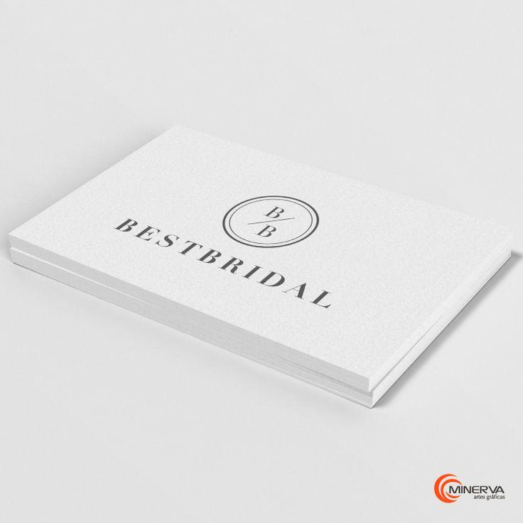 O branding da BESTBRIDAL destaca-se pela contemporaneidade e sofisticação, valores essenciais para uma loja de vestuário de cerimónia. De realçar o acabamento em foil cobre, para aplicação em materiais de comunicação de luxo.