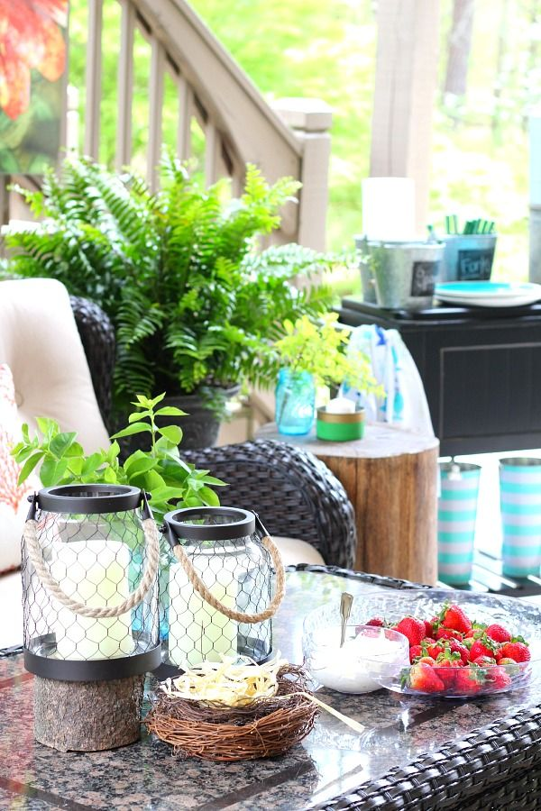 Create s beautiful and relaxing outdoor space witha few decorating tips!