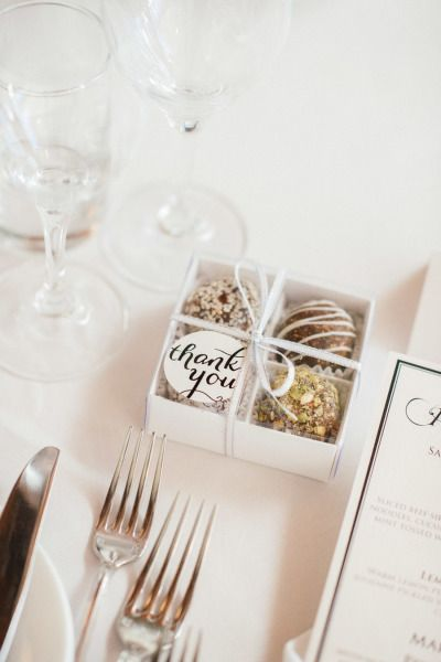 we ❤ this!  moncheribridals.com #edibleweddingfavors