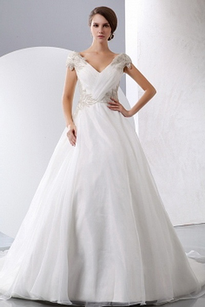 Organza Romantic V-Neck Bridal Dresses wr0560 - http://www.weddingrobe.co.uk/organza-romantic-v-neck-bridal-dresses-wr0560.html - NECKLINE: V-Neck. FABRIC: Organza. SLEEVE: Sleeveless. COLOR: Ivory. SILHOUETTE: A-Line. - 138.59