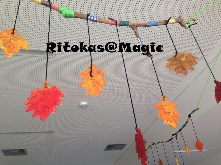 Móbil do Outono  Folhas - Material serapilheira, pintada com tinta da giotto.
