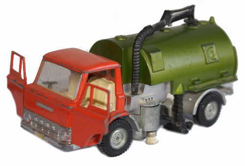 #diecast #Dinky 451 Ford D800 Johnston road sweeper new or updated at www.diecastplus.info