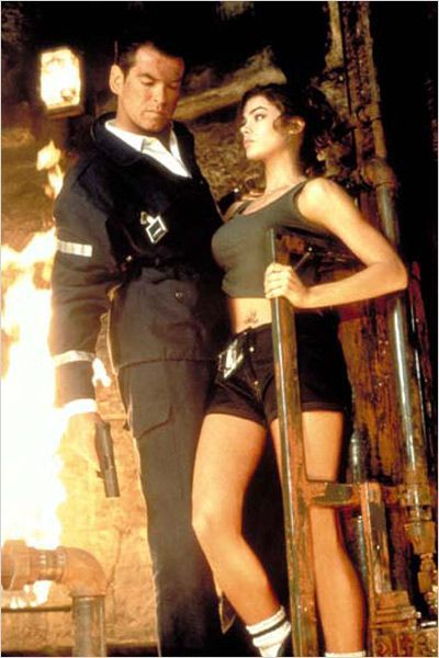Denise Richards,  Pierce Brosnan in James Bond