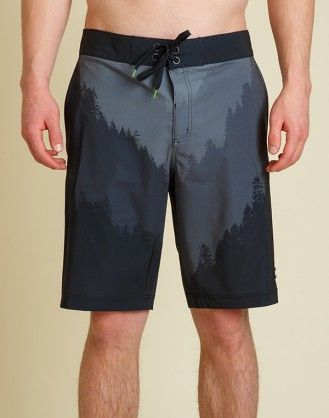 The Tobin a 46% polyester / 44% recycled polyester / 10% spandex board short featuring an all over, treeline print that will inspire the wildness inside you. #eco #organic #recycled #tentree #fashion #environment #clothing #slowfashion