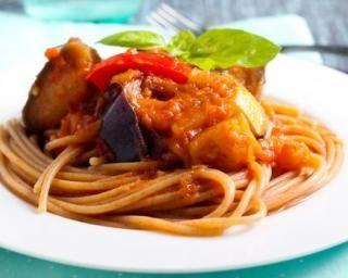 Spaghettis light à la ratatouille : http://www.fourchette-et-bikini.fr/recettes/recettes-minceur/spaghettis-light-a-la-ratatouille.html