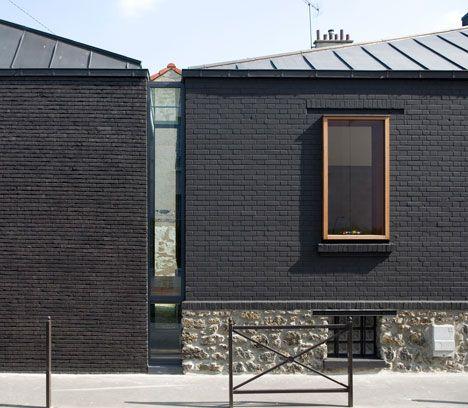 window at brick: Maison Leguay by Moussafir Architectes (France)