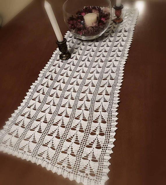 Chemin de table rectangle doily white crochet lace topper
