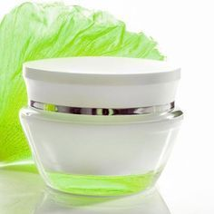 Gesichtscreme für empfindliche Haut mit Nachtkerzenöl. www.ihr-wellness-magazin.de