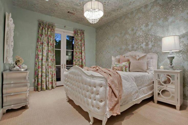 Luxurious teen bedroom design - Sassy and Sophisticated Teen and Tween Bedroom Ideas