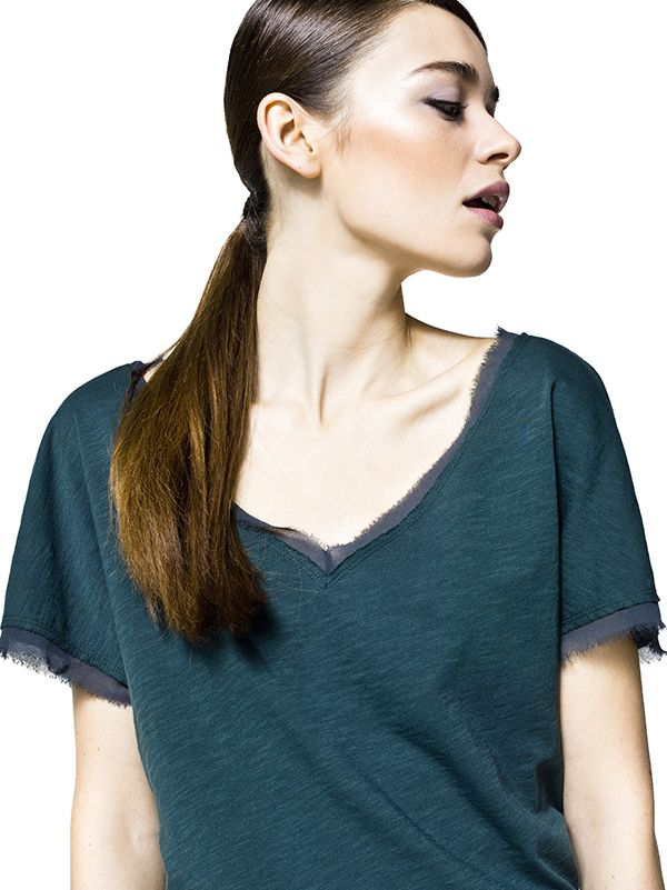 Raw-cut #tshirts in iridescent cotton and shiny details.#sisley #fashion #emerald #green