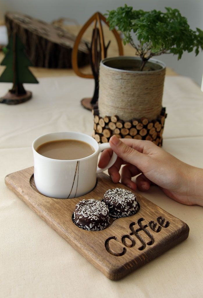 Ahşap kahve ve çay servisi. Cafe restoran ofis.