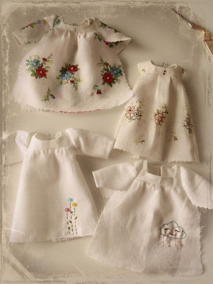 My dear Nannykins recently gave me a box full of lovely vintage hankies that she has collected over the years. Many of them are too pretty to cut up, but there are a few that will be made into delicate little dresses for Blythe dolls.