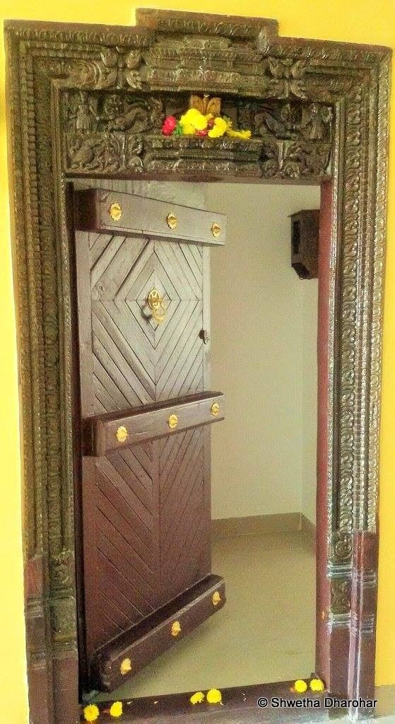 An Apartment with a Courtyard | Home door design, Indian ...