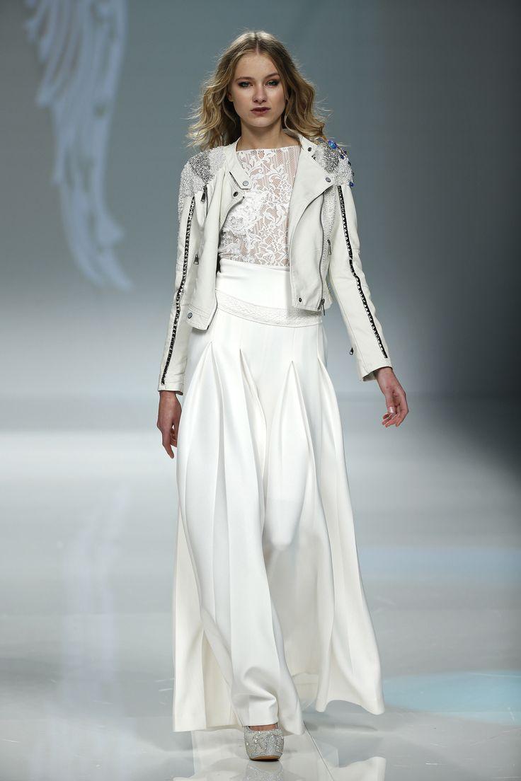 Vestido de novia blanco dos piezas de Jordi Dalmau.