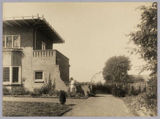 Villa Eikenhorst aan de Rijksstraatweg Bennebroek kort na de bouw