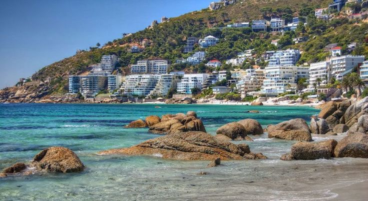 Your Guide to Clifton Holiday Rentals & Luxury Accommodation.     Cape Town Vacation Rentals - Serviced & Furnished Holiday Homes, Villas, Bungalows and Apartment Rentals throughout the Western Cape.
