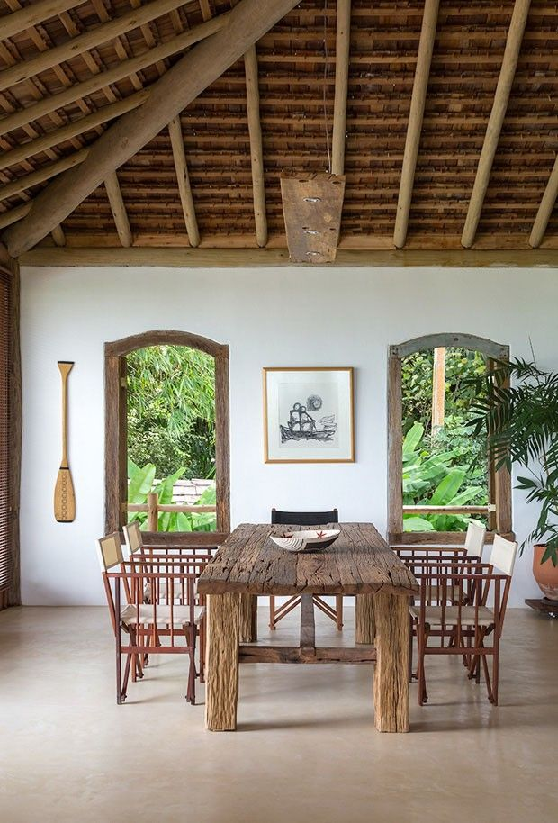 História e cenário natural do povoado baiano inspiram lar rústico