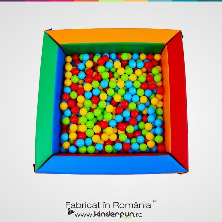 Piscina cu bile Magic marca Kinderfun Soft Play fabricat cu drag in Romania. Piscina cu bile pentru copii poate aduce un plus de magie si foarte multa distractie. Soft Play Ball Pool Kids Kinderfun™