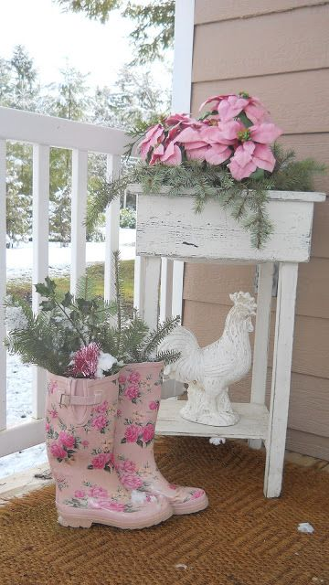 Tiny Christmas House (shabby chic retreat)