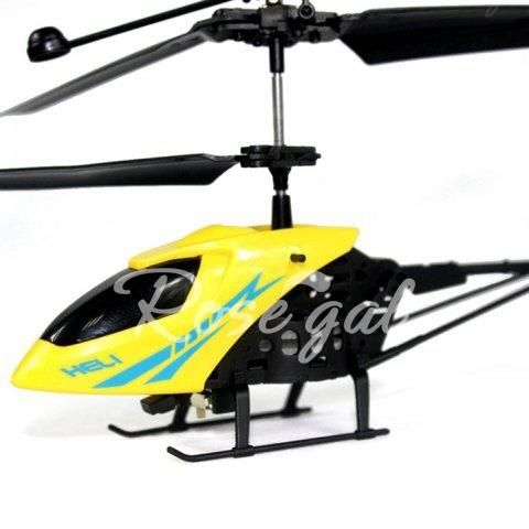 "901 2.5"" Radio Remote Control Mini Helicopter $4  Free Shipping #LavaHot http://www.lavahotdeals.com/us/cheap/901-radio-remote-control-aircraft-2-5ch-mini/143569?utm_source=pinterest&utm_medium=rss&utm_campaign=at_lavahotdealsus"