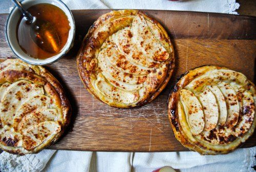 apple tarts with goat cheese and honey. must make now.