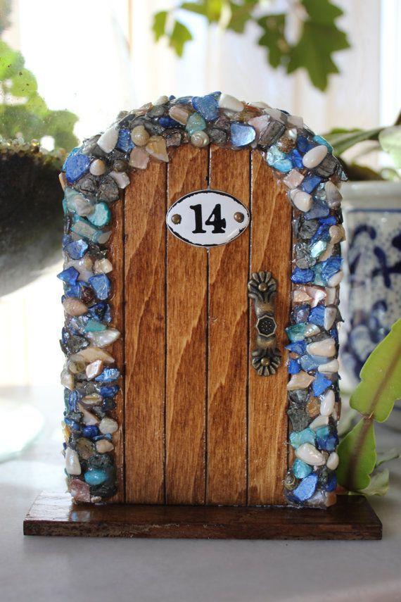 Best 25 cuento del raton perez ideas on pinterest casa for Batman fairy door