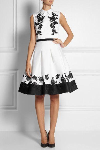 Gorgeous Dress http://rstyle.me/n/bvrwtr9te