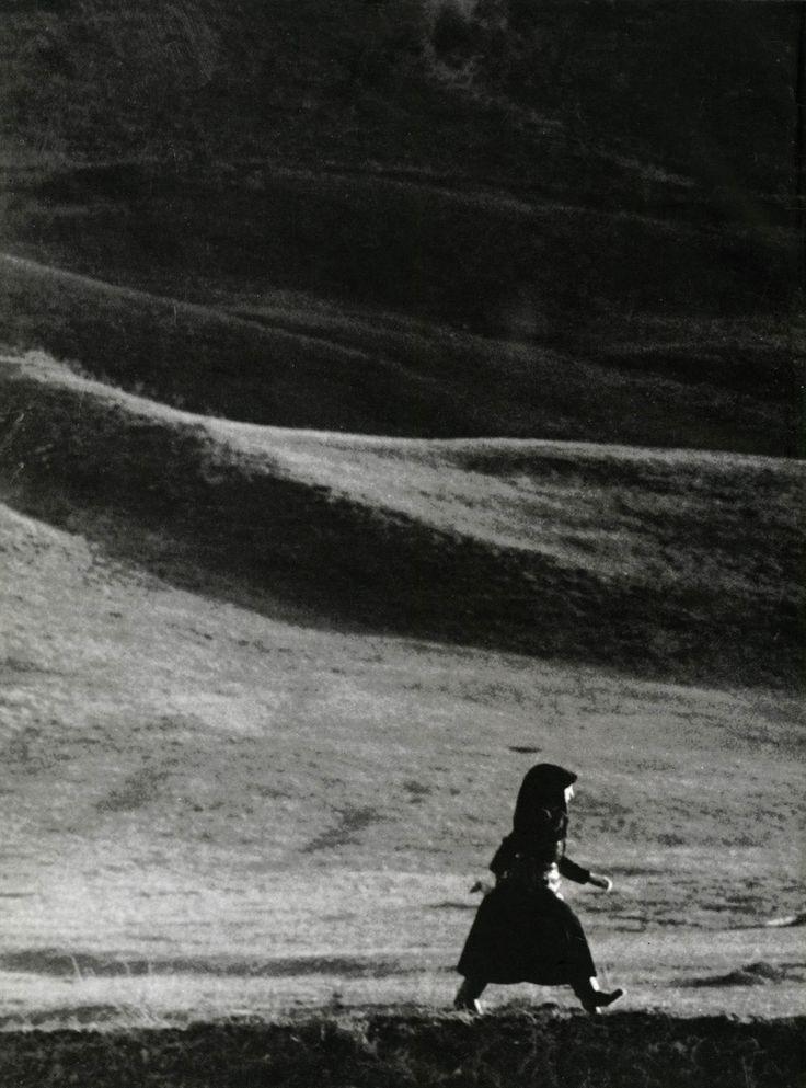 Péter Korniss asszony un Mezon, Szek, (Sic, Roumanie) 1971.  Via