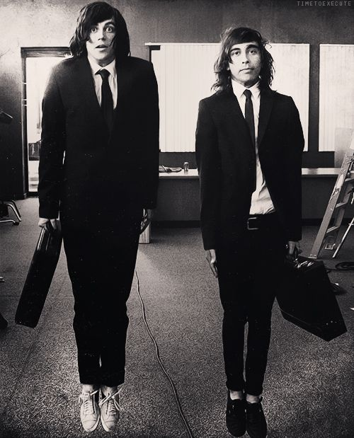 """Kellin quinn and Vic Fuentes on the set of """"King For A Day"""""""