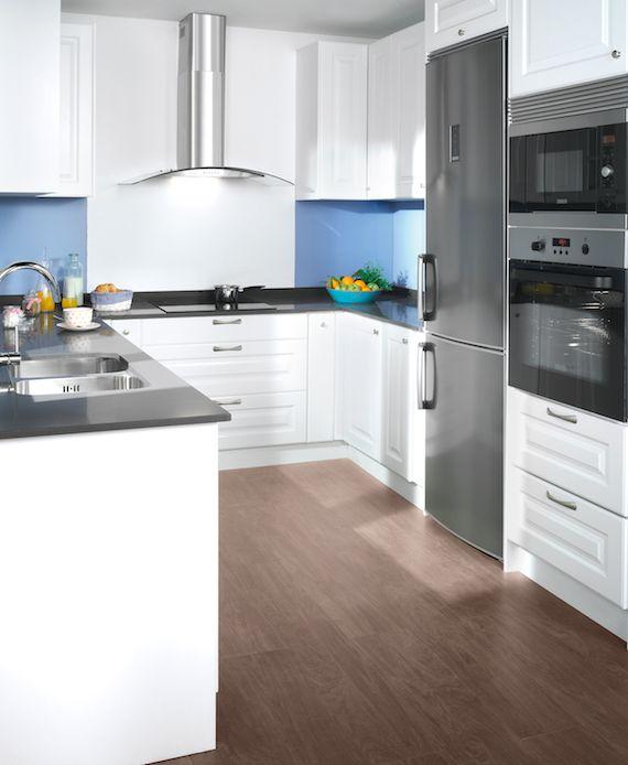la distribucin de los muebles en u es ideal para la cocina cada rincn est