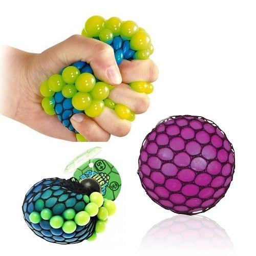 Squishy Mesh Stress ball/ carlo (maar de borstenstressbal is ook een goeie optie ;) megagadgets.nl