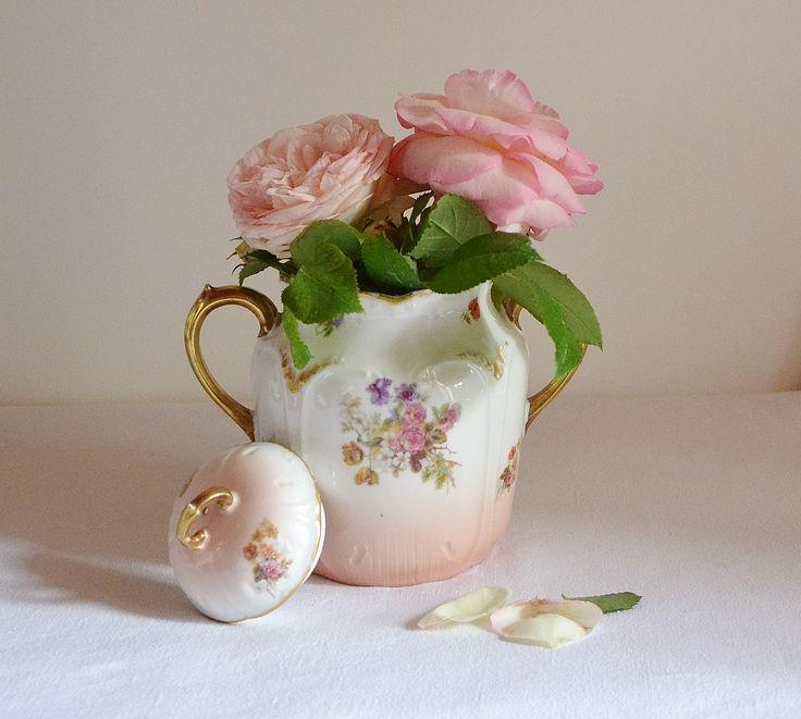 Les 110 meilleures images propos de vaisselle ancienne for Vasque ancienne en porcelaine