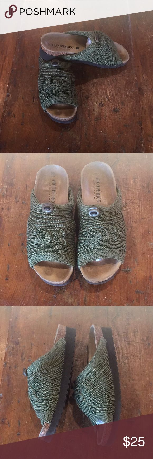 Arcipedico by Elig Parodi Shoe Excellent condition. These are sooo comfy Arcopedico Shoes Sandals