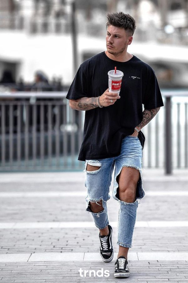 blue ripped jeans outfit men