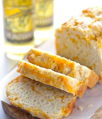 This Garlic Cheddar Beer Bread is super easy to make, and super tasty.