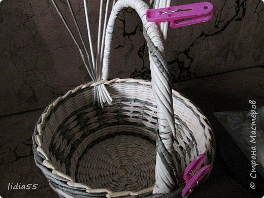 Мастер-класс Поделка изделие Плетение ручка для корзины Трубочки бумажные фото 21