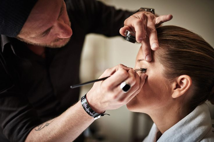 Beautiful Bride getting ready at Four Seasons Hotel Budapest by Archivo Weddings